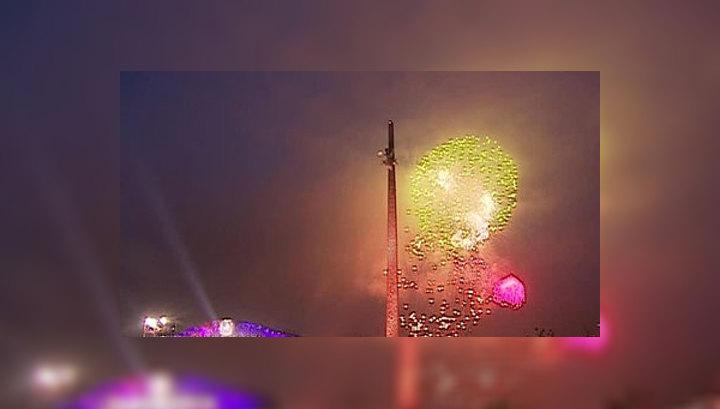 Москва отметила День Победы праздничным салютом