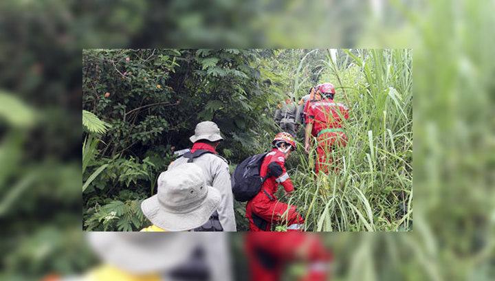 К месту крушения Sukhoi Superjet 100 направлено еще 250 спасателей