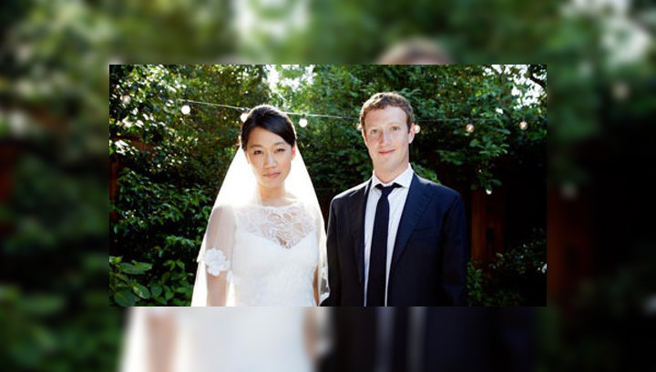 Фейки фотографии молодоженов в медовый месяц в стиле ню