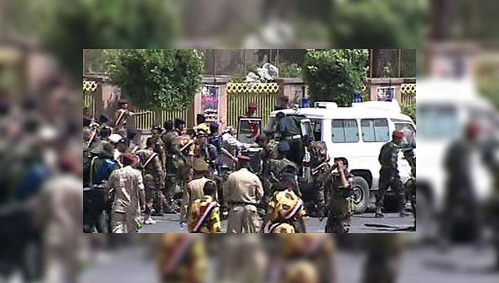 """""""Аль-Каида"""": целью теракта в Сане был министр обороны"""