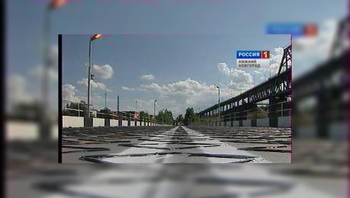 В Нижнем Новгороде начал работать наплавной мост через Волгу