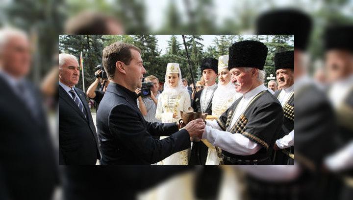 Дмитрий Медведев прибыл в Южную Осетию