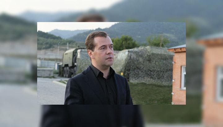 Медведев рассказал, как принимал решение об ответном ударе