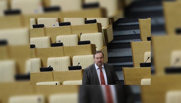 После лишения неприкосновенности против Гудкова могут возбудить уголовное дело