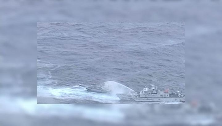 Бой на водяных пушках за спорные острова