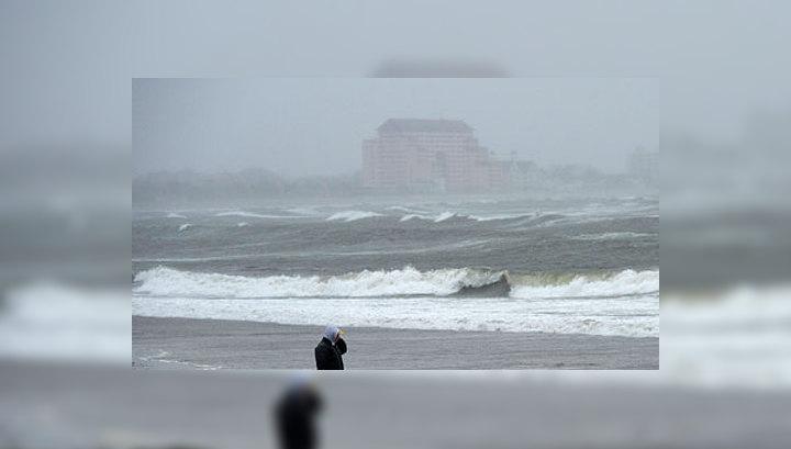 "Ураган ""Сэнди"" ослабел до категории шторма"