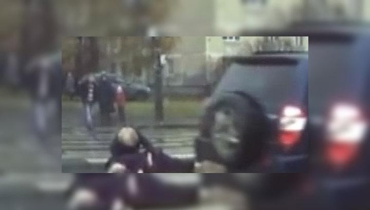 Пытаясь скрыться от полиции, нарушитель сбил четырех человек