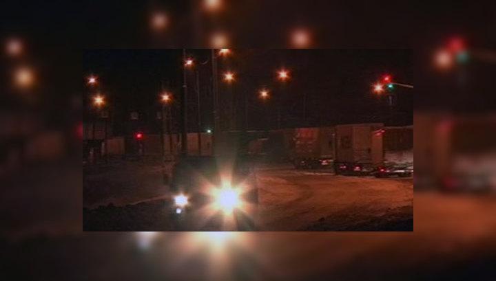 Гигантская пробка на трассе Москва-Санкт-Петербург начала немного рассасываться
