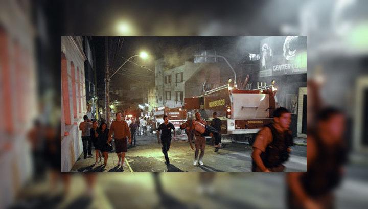 Очевидец: сгоревший клуб Kiss был забит людьми