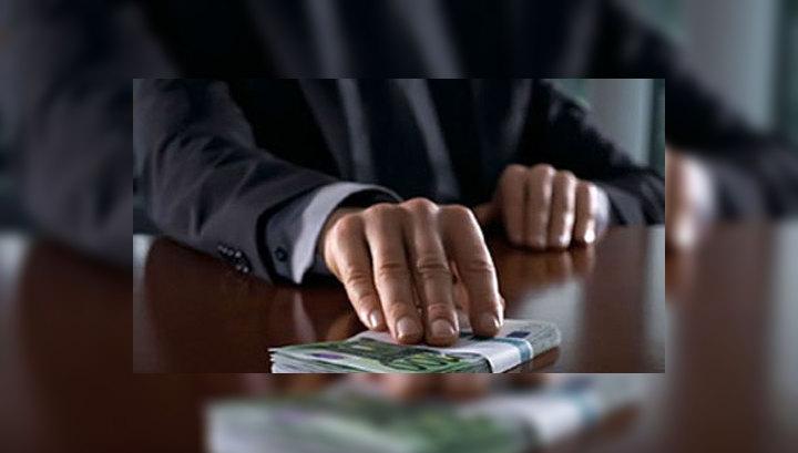 Ректора университета управления подозревают во взяточничестве