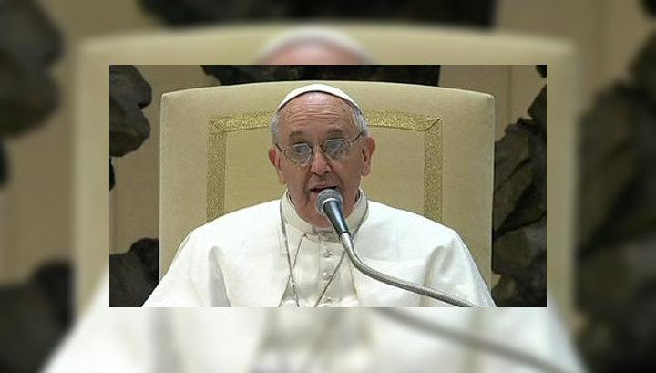 """Папа Франциск """"хотел бы бедную церковь для бедных"""""""