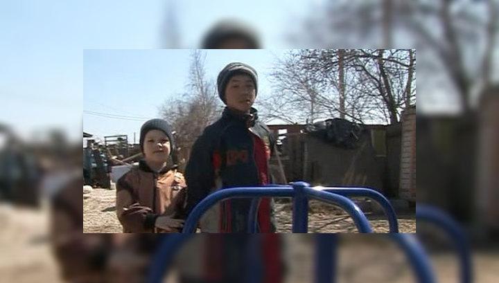 По поручению Путина в приморском поселке строят детскую площадку