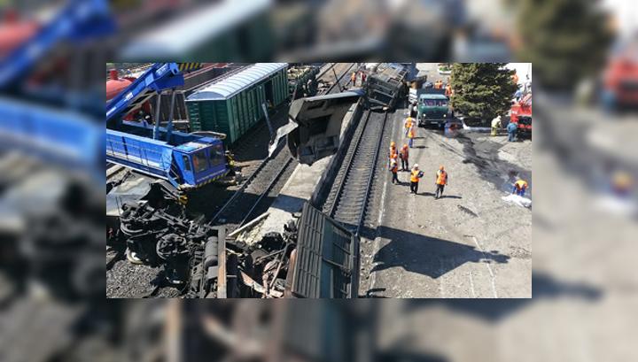 ЧП под Ростовом: 12 вагонов полностью сгорели, пострадали 29 человек