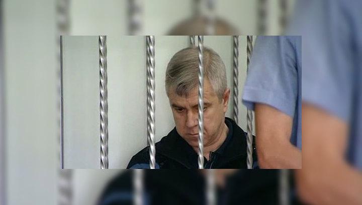 Бывшего мэра Крымска увезли из суда на скорой