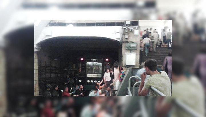 Пассажиры поездов, застрявших в тоннелях, полчаса ждали эвакуации