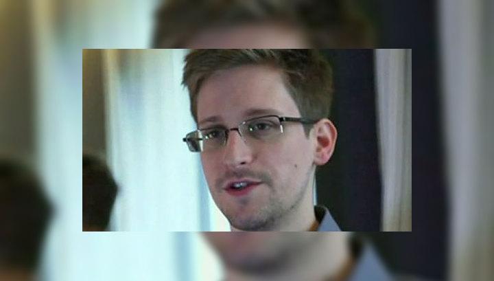 Сноуден послушался Ассанжа и направился в Москву