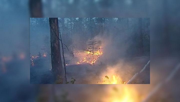 Жара в Якутии: пожарные борются с огнем в лесах днями и белыми ночами