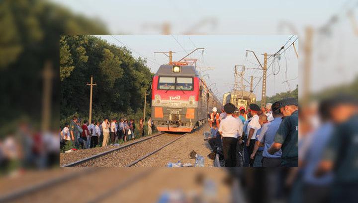 Пассажиры сошедшего с рельсов поезда добрались до Сочи