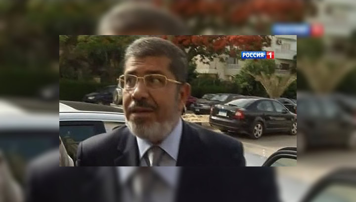 Мухаммеда Мурси доставили в суд на армейском вертолете