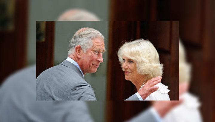Принц Чарльз пришел взглянуть на внука