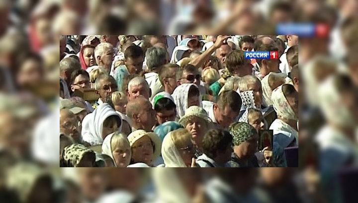 На историческую службу в Минске собрались десятки тысяч паломников