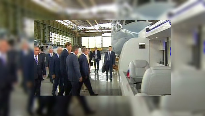 """Путину показали проект """"Аэротакси"""" и новые вертолеты"""