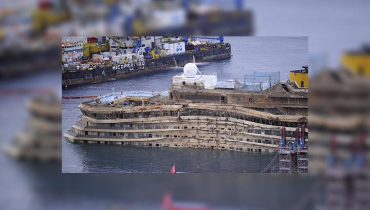 Costa Concordia отбуксируют на утилизацию в июне