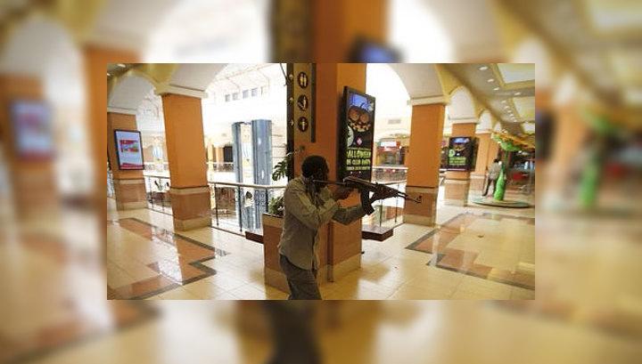 Спецназ отбил у террористов семь этажей торгцентра в Найроби