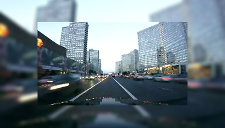 В ГИБДД заинтересовались видеороликами очередного уличного гонщика