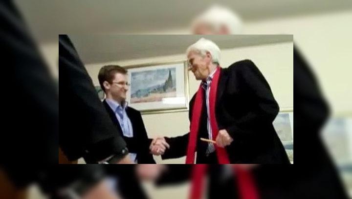 Эдвард Сноуден встретился в Москве с немецким политиком