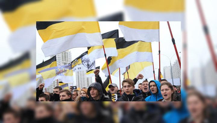 """""""Русский марш"""" в Москве: провокации, задержания и лица под масками"""