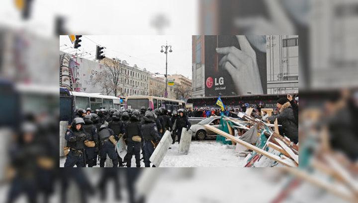 Обстановка в Киеве приближается к стадии открытого противостояния
