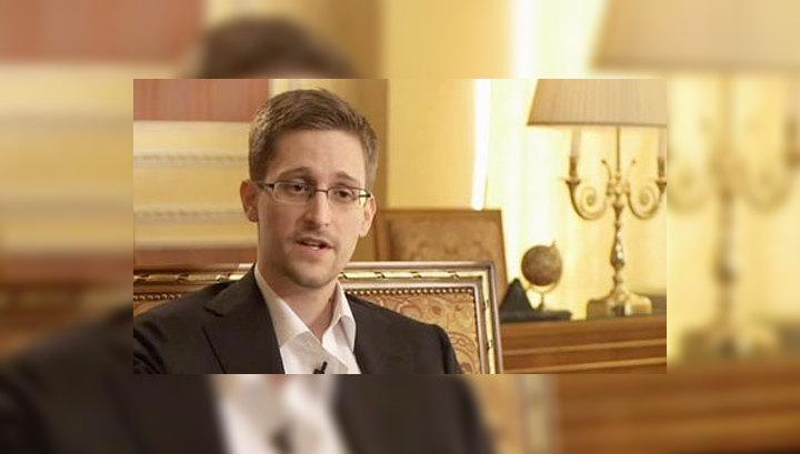 Эдвард Сноуден: год в России