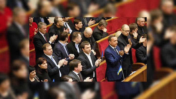 Соратник Тимошенко пообещал вернуть Януковича на Украину