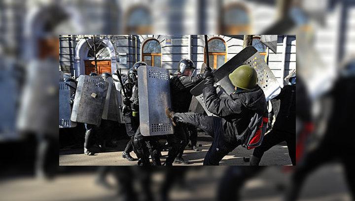 Киев. Хронология: в горящем Доме профсоюзов обрушились перекрытия
