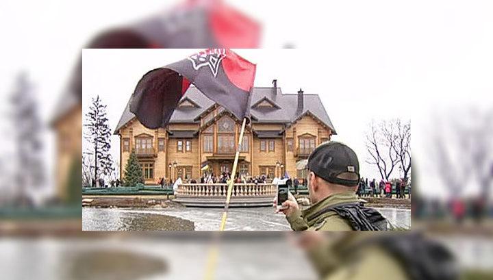 """Синдром Саддама: роскошь """"Межигорья"""" повергла украинцев в шок"""