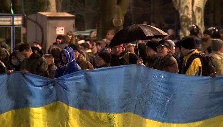 Бойня в Донецке: радикалы с арматурой и битами нападали на безоружных