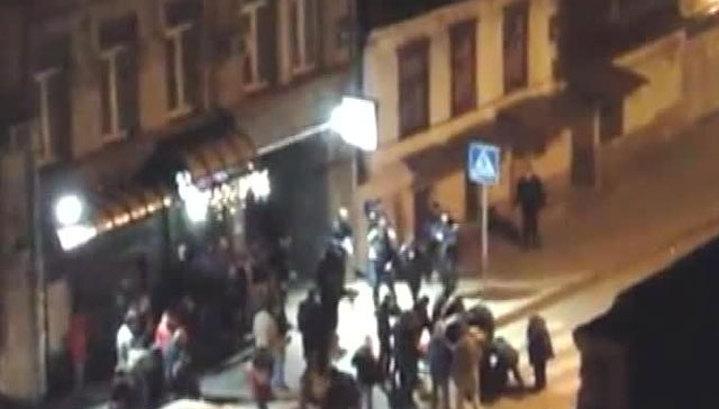 В Харькове вспыхнули столкновения, слышна стрельба из автоматов