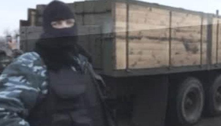 """У Славянска задержан грузовик со снарядами к системе """"Град"""""""