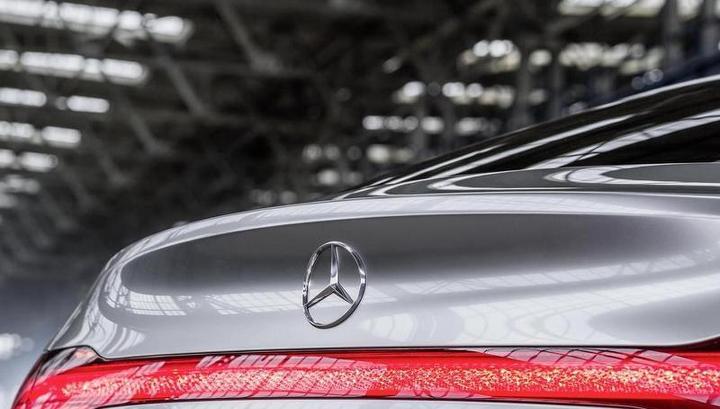 Депутат Александр Максимов: чиновники имеют право на самые дорогие автомобили