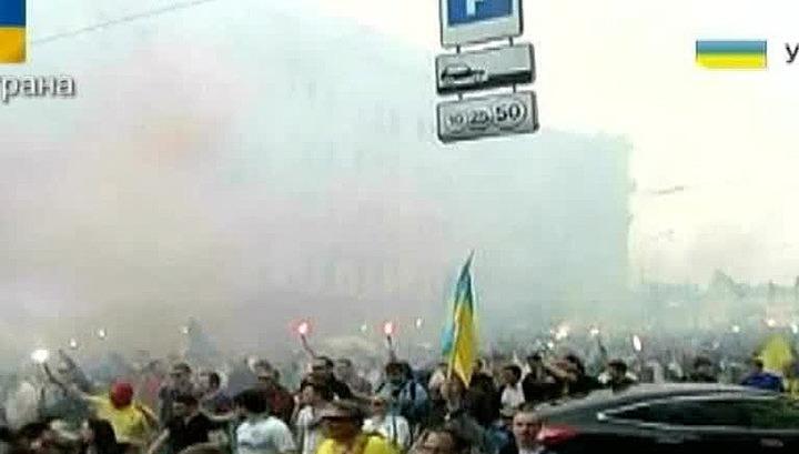 Побоище в Харькове: футбольные фаны подрались со сторонниками федерализации