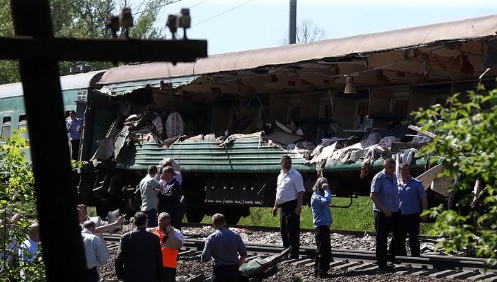 Пассажирский поезд отогнали с места катастрофы