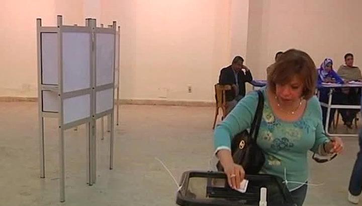 Из-за низкой явки выборы президента Египта продлены на один день