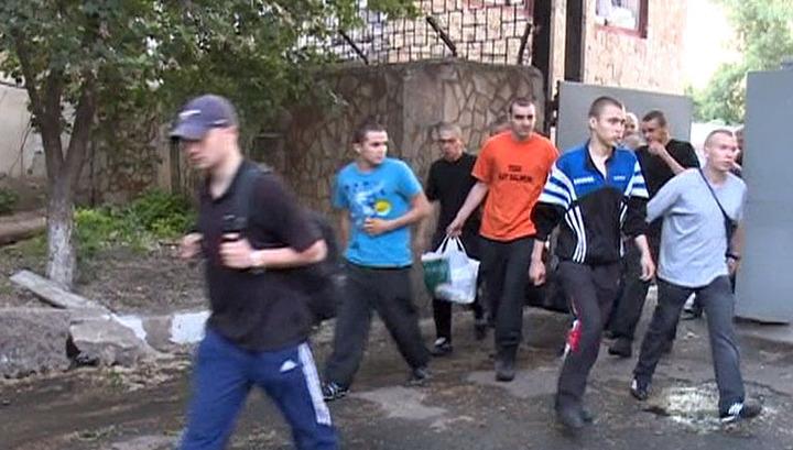 Штурм воинской части в Луганске: срочников на время боя заперли в казармах