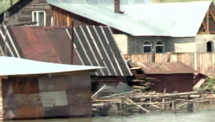 На Алтае остаются подтопленными более 100 жилых домов