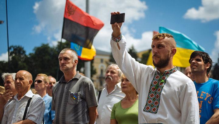 Майдан не идет воевать, несмотря на угрозы властей