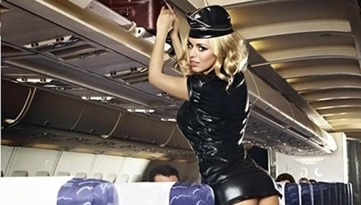 Пассажир со стюардессой секс
