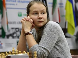 Шахматы. Гунина и Мотылев выиграли на старте Кубка мира