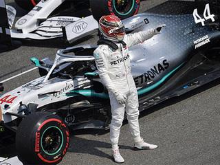 Хэмилтон завоевал поул в квалификации Гран-при Великобритании, Квят – 14-й