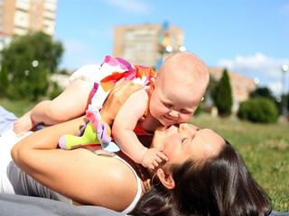 Упрощено получение субсидий для трудоустройства женщин с детьми